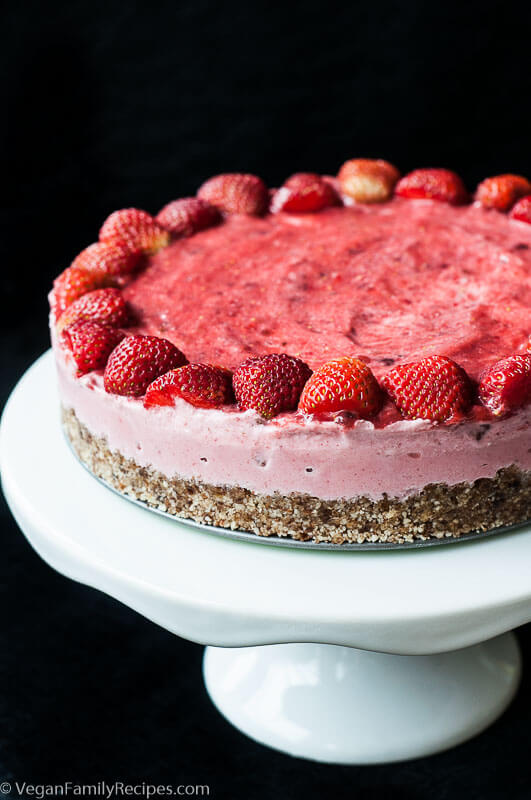 Vegan Strawberry Ice Cream Cake Recipe - Vegan Family Recipes