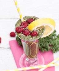 Kale Spinach Smoothie Recipe - Vegan Family Recipes #healthy #fruit #green