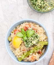 One Pot Lemon Asparagus Quinoa Recipe topped with a Rocket (Arugula) Pesto | VeganFamilyRecipes.com | #vegan #vegetarian
