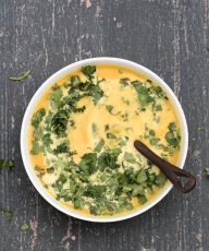 Coriander Carrot Soup Recipe Vegan Gluten-free /// VeganFamilyRecipes.com #healthy #autumn